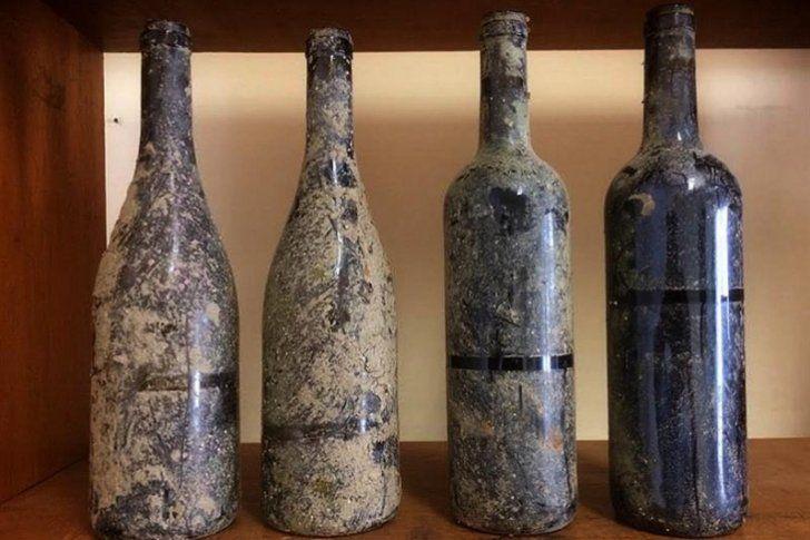 Emerge el primer vino portugués envejecido en el fondo del Océano Atlántico