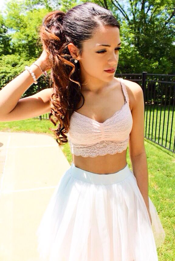 Gabriella Demartino is so beautiful & talented! I just lover her! Go follow her please @PinkPrincessGAB Thx loves!