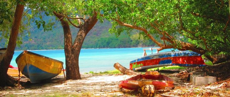 http://www.lunaseainn.com Come and visit the real #Jamaica, the one the tourists never see...