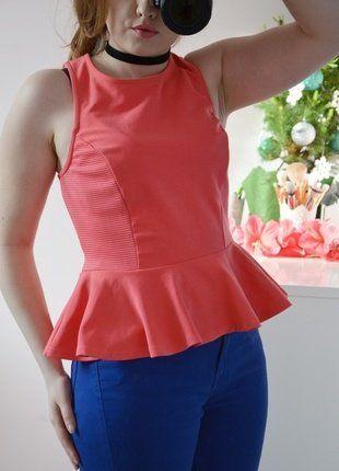 Kup mój przedmiot na #vintedpl http://www.vinted.pl/damska-odziez/bluzki-bez-rekawow/16646640-koralowa-bluzka-z-baskinka