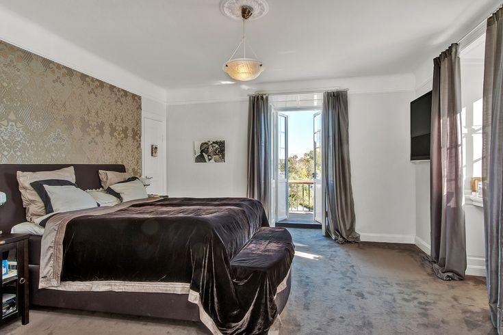 высокая кровать!!!!   Дом в Швеции - бытие определяет сознание