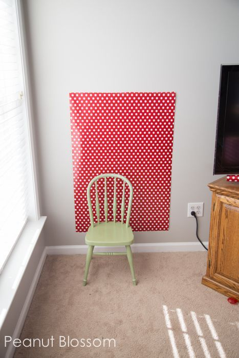 how to set-up a photo booth in your home *perfect for back-to-school shots
