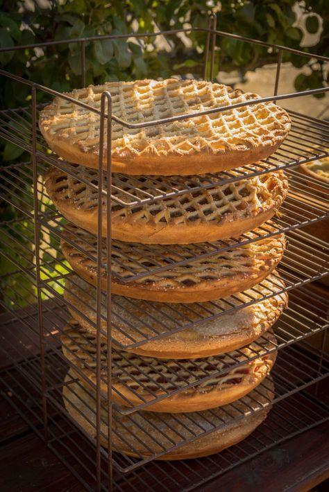 Bitterkoekjesvlaai van het Bakhoes uit Swalmen. Het recept vind je hier. #recept #gebak #vlaai #limburg #hhb #bitterkoekjesvlaai