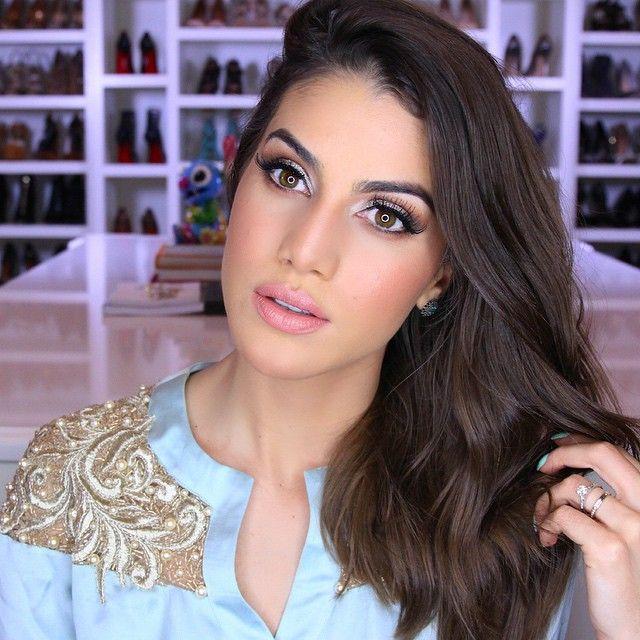 New tutorial on the blog, today!  Check it out babes! ----- A maquiagem que usei em Marrocos todos os dias! Vcs pediram e já tem tutorial no Blog! www.camilacoelho.com