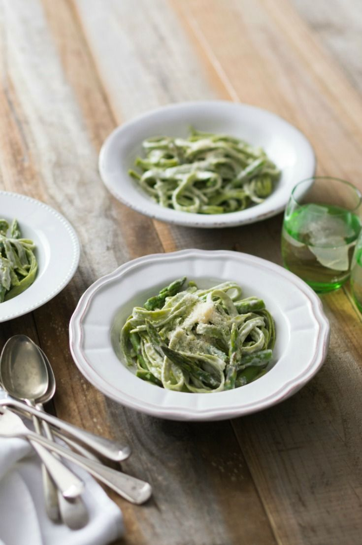 This Gluten Free Spinach and Lemon Pasta is incredibly tasty, the spinach adds a wonderful smooth texture and the lemon adds a nice bold zing.
