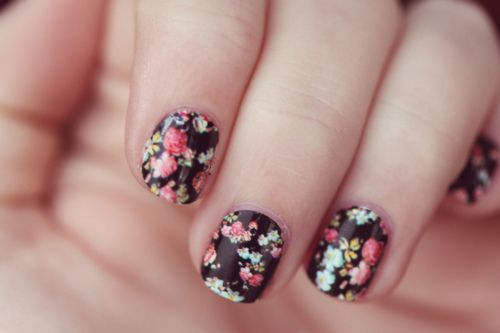 flower printed nails