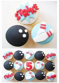 CUUUTE bowling cupcakes - by www.hellonaomi.com.au
