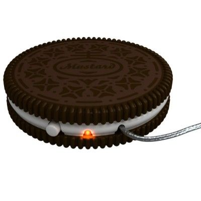 http://www.lorenzimilano.it/scalda-tazza-usb.html Scaldino per #tazze si inserisce nella porta USB del vostro #computer in modo da tenere al caldo #tè o #caffè. Nuovo modello con forma di #biscotto. Originale Maiuguali