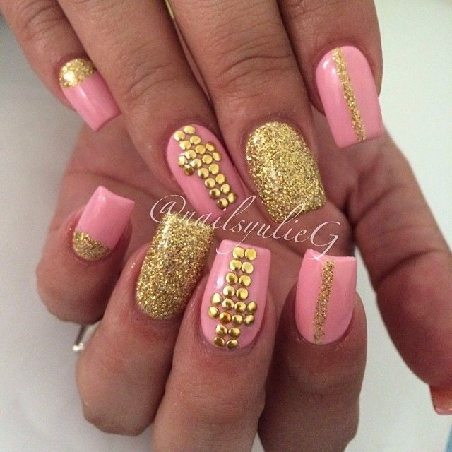 1000+ images about a touch of gold nails on Pinterest ...