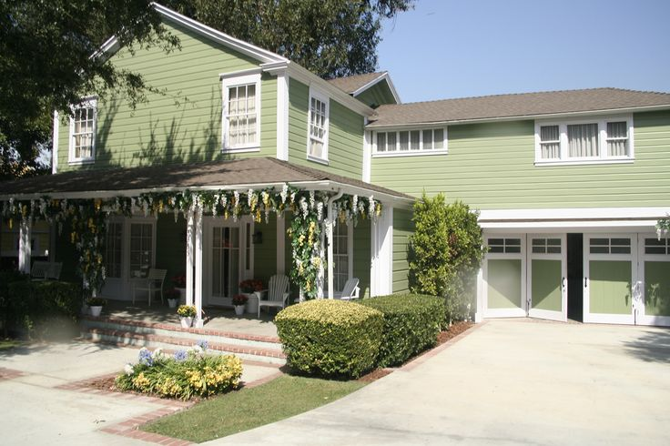 Desperate Housewives Wisteria Lane - Tom & Lynette Scavo's home