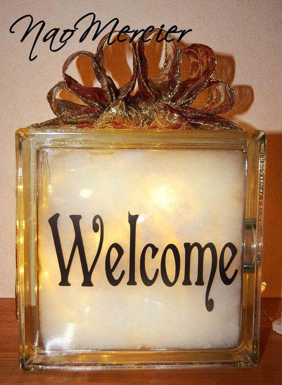 『Welcome』の文字を入れた、Welcomeライトです。ご自宅の玄関先などにいかがですか?又は、結婚式のウェルカムボードとして受付に置いたら人目を引く事間...|ハンドメイド、手作り、手仕事品の通販・販売・購入ならCreema。