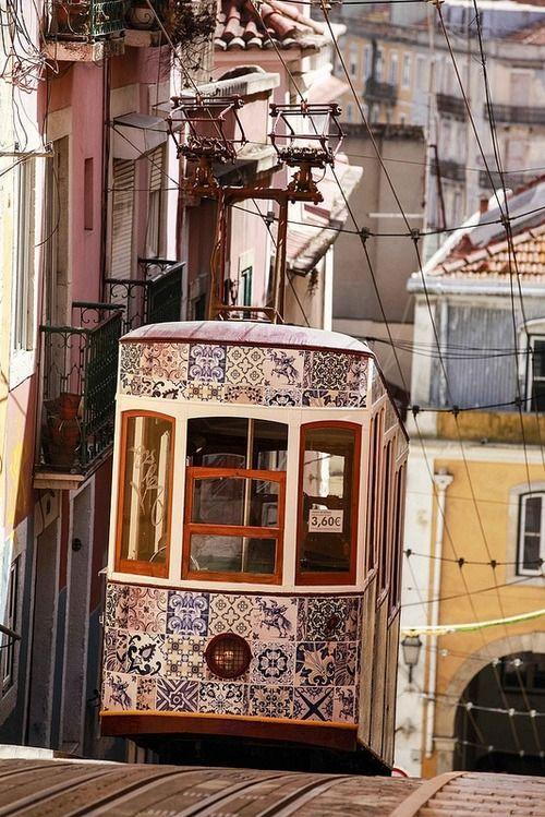 #train #tramway #spain