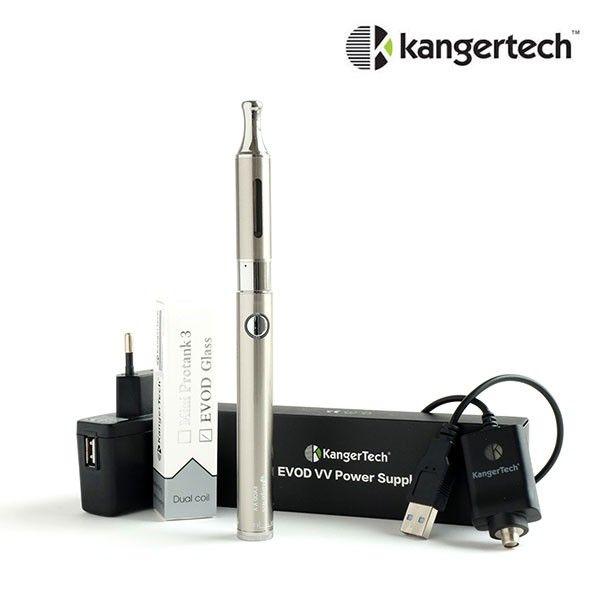 Le kit propose une cigarette électronique de la marque Kangertech, composée d'une batterie à voltage variable Kanger Evod VV (650 ou 1000 mAh au choix) et d'un clearomiseur Kanger Evod Glass. Le kit comprend également un chargeur Kanger Evod USB et propose deux options: un adaptateur mural et un étui de rangement.
