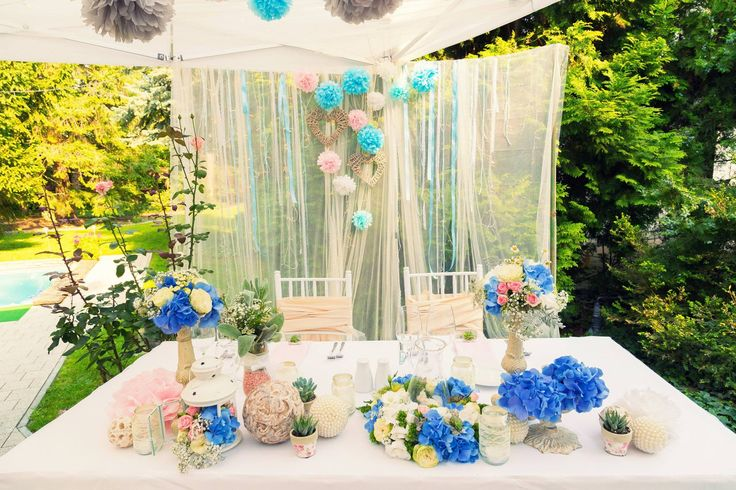 Vintage with blue, not with blu- garden party fever... Enchantée