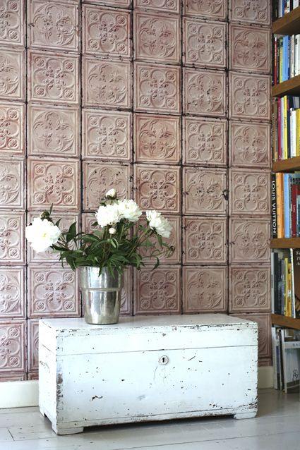 #BrooklynTins exclusive Wallpaper available at Verf en Wand. #inpsiration #livingroom