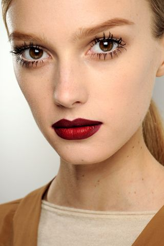 Love the burgundy lip with red center - Gucci's A/W 2011