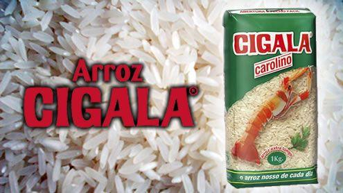 """O arroz carolino é um arroz de grão longo, que se distingue do arroz agulha pelo seu menor comprimento e pela aparência pastosa quando cozinhado. É considerado por muitos como o arroz """"mais"""" português por absorver os aromas dos ingredientes durante a preparação, sendo, normalmente, utilizado na confecção de pratos de arroz chamado """"malandrinho"""" ou """"no forno""""."""