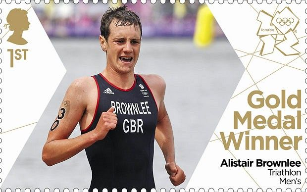 Timbre du médaillé d'or d'Alistair Brownlee (triathlon hommes) aux #JO2012 © Royal Mail, DR.