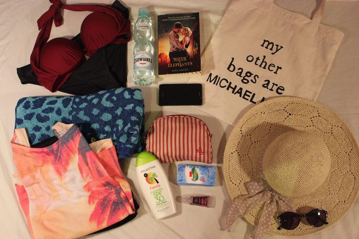 Crazy in Life: What's in my BEACH bag?