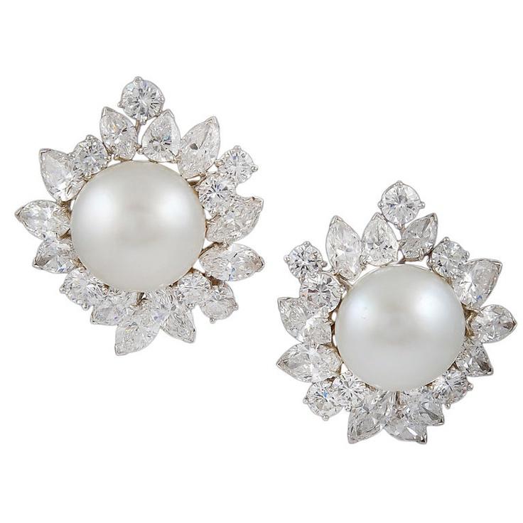Van Cleef & Arpels: pearl and diamond earrings