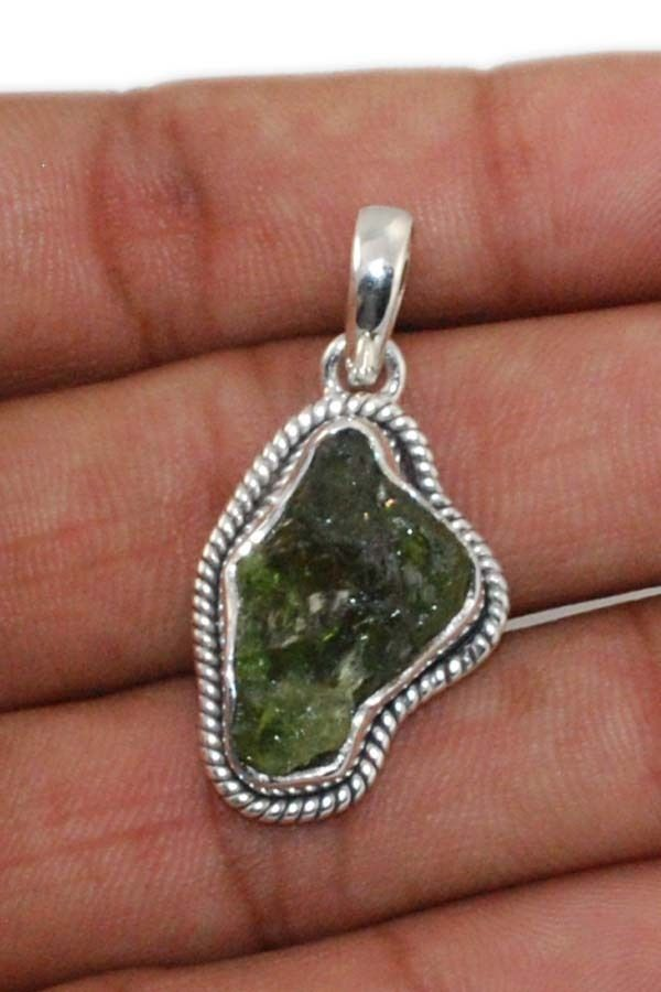 Natural Peridot Rough 925 Solid Sterling silver Pendant Jewelry (PP-002) #Rananjay #HandmadePendant