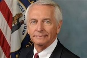 11-25-2015  Outgoing Kentucky Democratic Gov. Steve Beshear took 33 out-of-state trips during his eight-year term for a total cost to taxpayers of nearly $500,000.