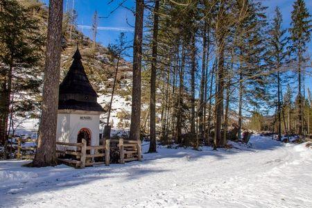 Dolina Kościelika-Zbójnicka Kapliczka