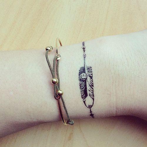 Plume comme une bracelet
