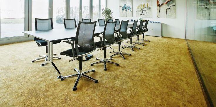 Žlutý zátěžový koberec Silky seal, koberce BOCA Praha. / Yellow contract carpet Silky seal, BOCA Praha carpets. http://www.bocapraha.cz/cs/aktualita/76/jak-vybrat-kvalitni-zatezovy-koberec/