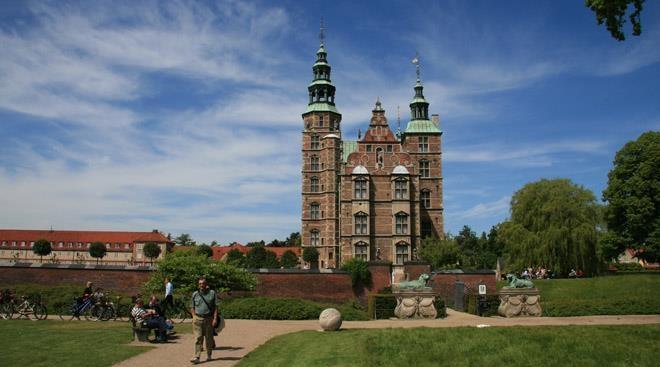 Rosenborg voksne 80,- børn gratis