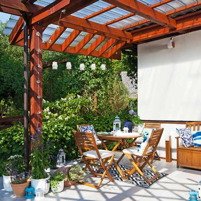Drewniane meble ogrodowe dla rodziny. #design #urządzanie #urząrzaniewnętrz #urządzaniewnętrza #inspiracja #inspiracje #dekoracja #dekoracje #dom #mieszkanie #pokój #aranżacje #aranżacja #aranżacjewnętrz #aranżacjawnętrz #aranżowanie #aranżowaniewnętrz #ozdoby #ogród #ogrody