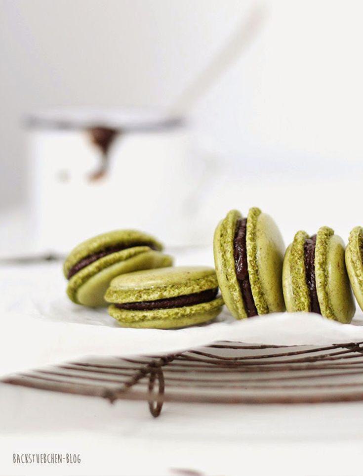 Matcha-Macarons mit Schokofüllung. Plus: Sieben Fehler, die ihr beim Macarons backen vermeiden solltet