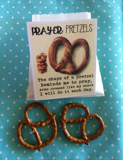 Prayer Pretzels. FREE printable tags. A fun little idea for primary kids learning about PRAYER.