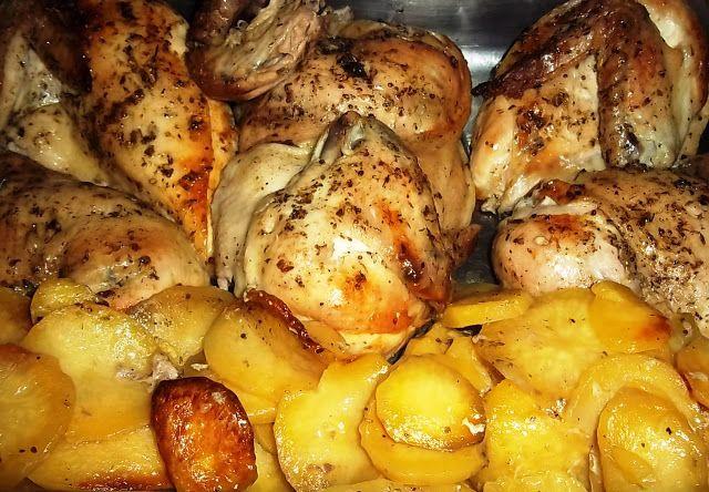 Christie's PicNic: Η μοναδική συνταγή για τρυφερό κοτόπουλο και πατάτες στη λαδόκολλα!