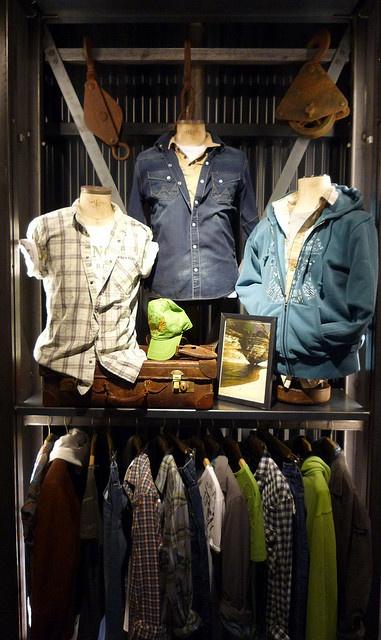 visual merchandising on rack,pinned by Ton van der Veer