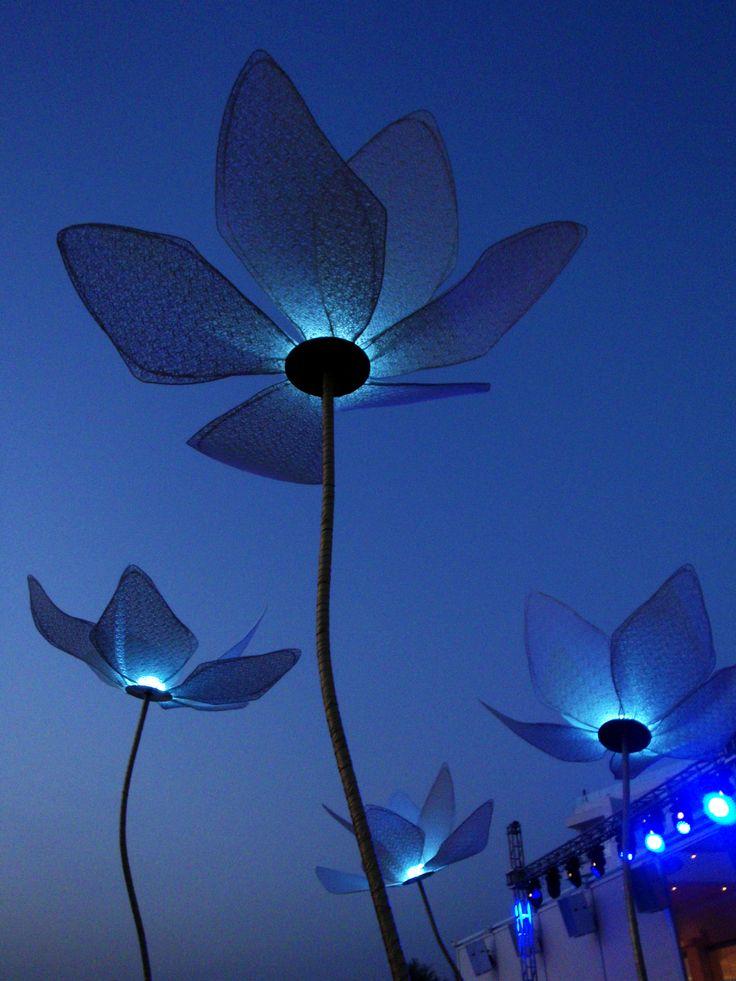 Διακοσμητικά φωτιστικά μπαταριας σε δεξίωση πάρτυ γάμου, από το Artease Design Lab.