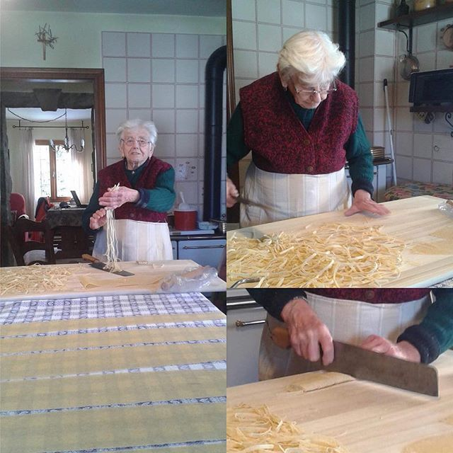 Had to ask Antonio from my village in Italy if I could share these images of his Mamma, 92 years old and making tagliatelle, my favorite pasta  can't wait to be back (and doing the same) for Xmas  #pasta #tagliatelle #emiliaromagna_super_pics #emilana #nonnaemiliana #sestola #italianfood #vegetarian #freshpasta #inspirational #lovefood #パスタ