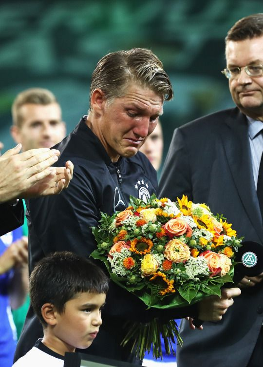 Basti's farewell game - this gets me everytime