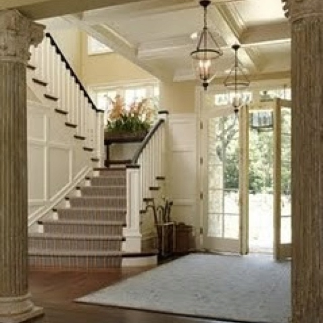 31 Stair Decor Ideas To Make Your Hallway Look Amazing: Beautiful Entrance.