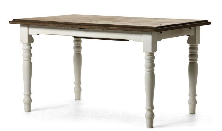 Ett matbord inkl. iläggsskiva med butterflyfunktion i antikvit, vaxad massiv pinje som är återvunnen med skiva i brunbets som ger ett hemtrevligt och lantligt intryck. Med färgskillnader, gropar, sprickor och ojämnheter skapar det tillsammans ett gediget matbord.