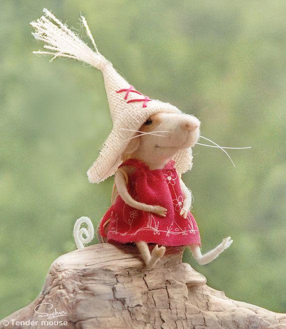 Souris médiévale, dolls & miniatures, feutrage à sec,souris feutrée,figurine,bibelot,conte de fées,decoration maison,figurine de collection