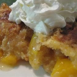 Peach cobbler dump cake, only 4 ingredients and SUPER simple!!!