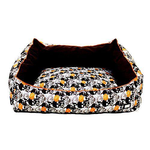 """Aus der Kategorie Betten  gibt es, zum Preis von EUR 41,95  Michur Hunde-/ Katzensoftbett """"Rocky Rechteck"""", Größe (ca.) 60x50x20cm (Kissen/Liegefläche 50x46x10cm, Gewicht 1,4 Kg)<p>Ein Muss für jeden Rockabilly. Das coole Totenkopf-Design in trashigen Farben sticht sofort ins Auge. So wird die Liegewiese eures Vierbeiners zum Eyecatcher in der Wohnung. <p>Rocky ist ein rechteckiges Softbett mit passendem, waschbaren Kissen und einem Tragegriff. Das Muster mit Rosen, Herzen und Totenköpfen…"""