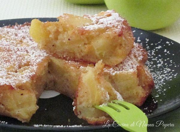 Torta di mele e grano saraceno preparata con la farina di grano saraceno e mele renette.