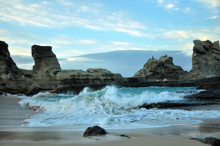 Klayar Beach, Pacitan, East Java #indonesiaindah (via travelthisworld)