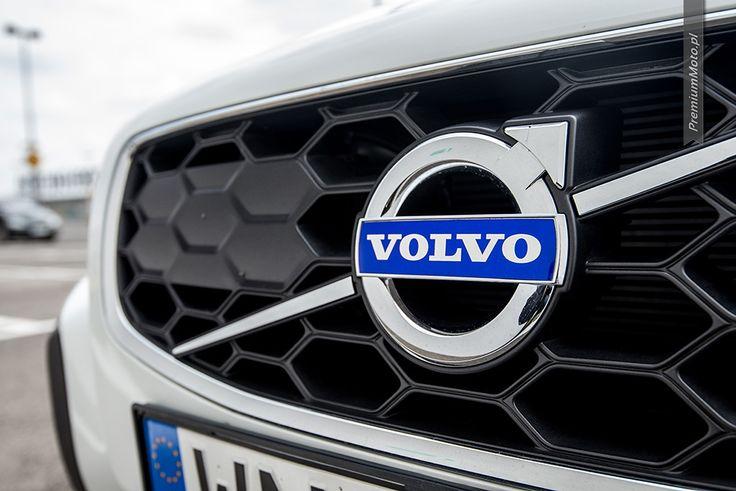 Volvo XC70 D4 FWD Summum Inscription badge. More pisc @ http://premiummoto.pl #volvo #xc70