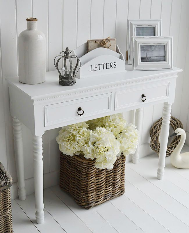 White Beach and coastal console tables and sofa tables for hallways and living rooms. Ideas on furnishing and decorating