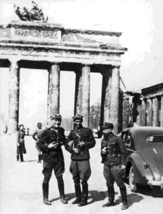 Polish soldiers in Berlin after German capitulation May 1945 - pin by Paolo Marzioli