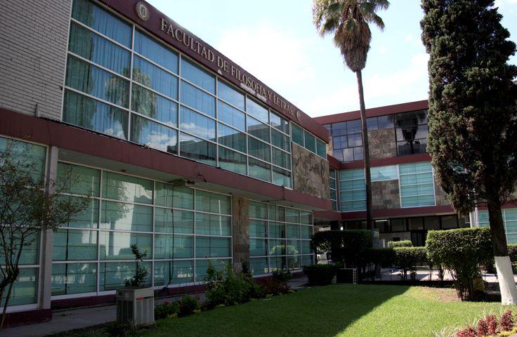 La Facultad de Filosofía y Letras es parte del Campus Ciudad Universitaria en San Nicolás de los Garza, Nuevo León. La FFyL ofrece ocho licenciaturas y cuatro estudios de posgrado. ¡Conócela! www.filosofia.uanl.mx