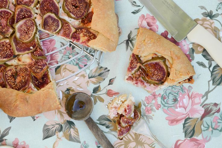Figs, goat cheese and bacon galette | Nom Nom | Pinterest